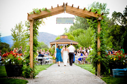 Vintage country chic at denver botanic gardens colorado weddings magazine luxe mountain for Denver botanic gardens wedding