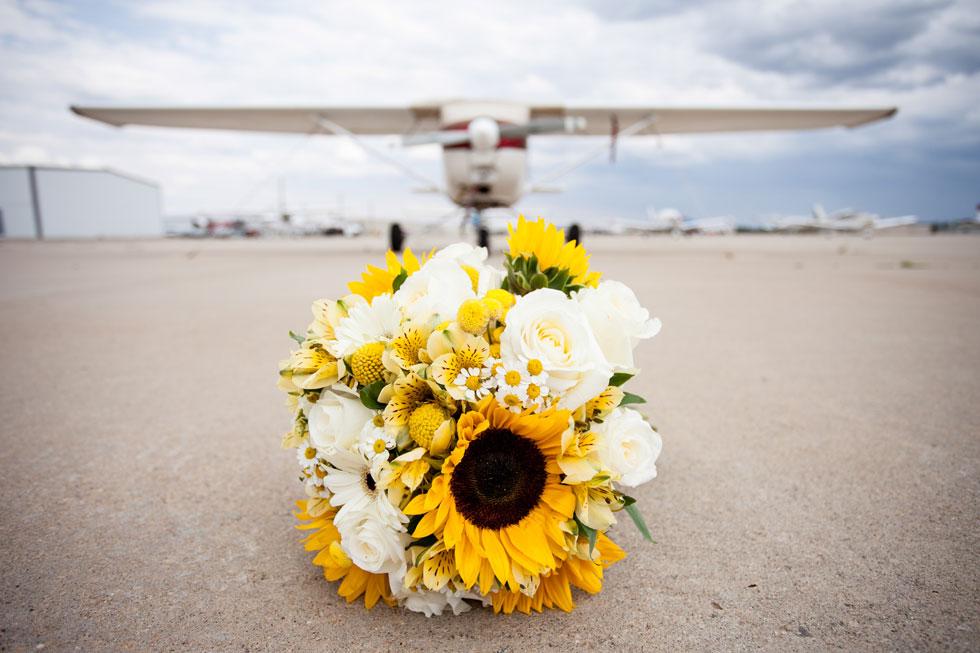 Colorado Wedding - skydiving