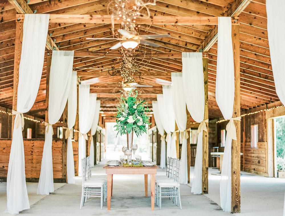 Styled Shoot: Rustic Southern Barn Elegance